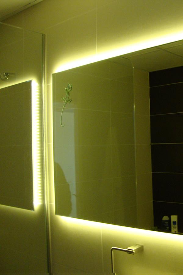 Espejo bano retroiluminado ideas de disenos - Espejos retroiluminados bano ...